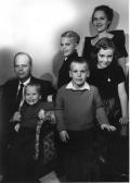 Fam photo 1962